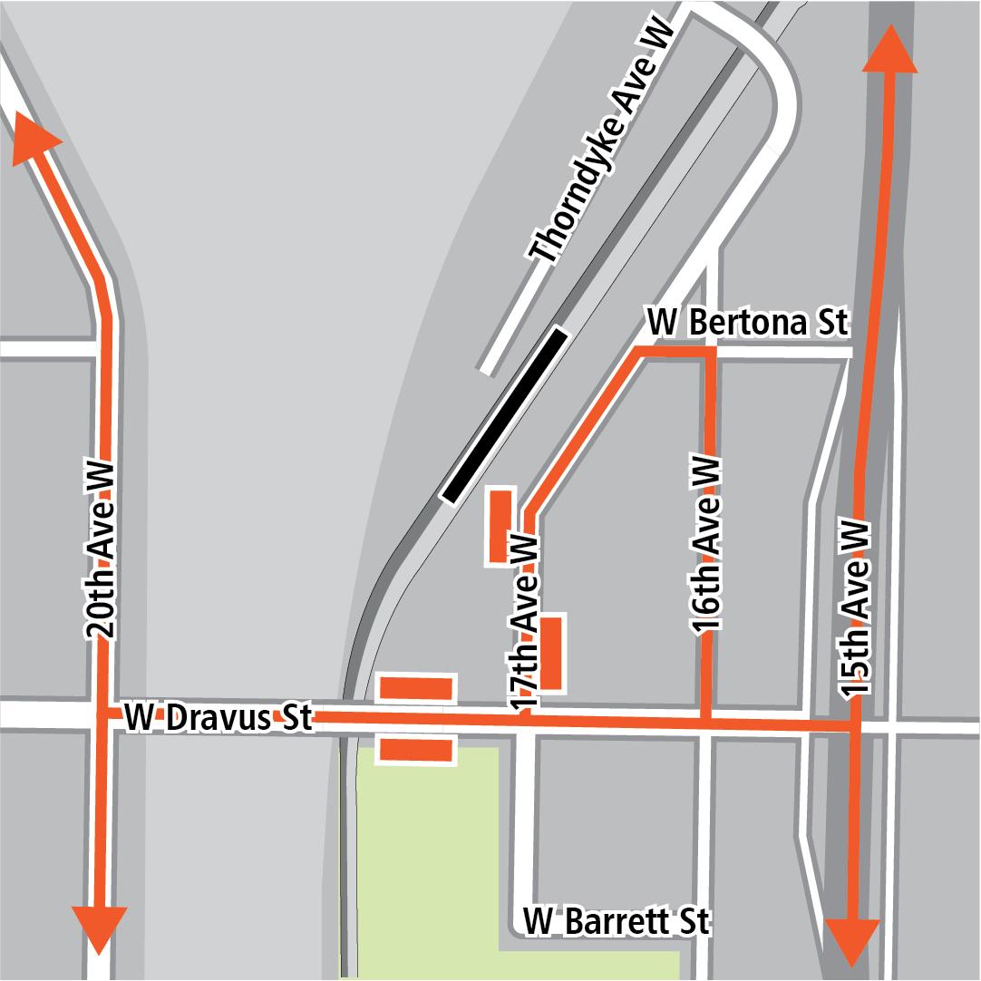 Bản đồ có hình chữ nhật màu đen biểu thị vị trí trạm ga ở 17th Avenue West, các hình chữ nhật màu cam biểu thị các điểm dừng xe buýt và các đường màu cam biểu thị các tuyến xe buýt trên 15th Avenue West, 16th Avenue West, 17th Avenue West, 20th Avenue West và West Dravus Street.